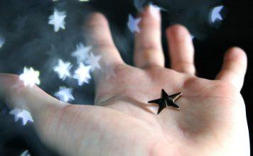 Copilul și stelele – Compunere despre stele
