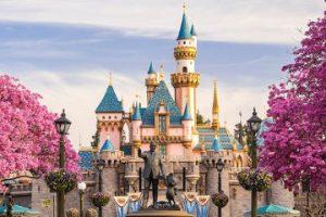 Compunere in vizita la Disney Land